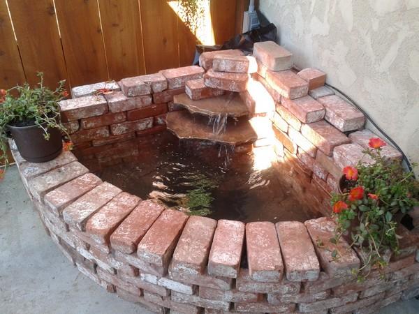 Old brick fontain decor idea