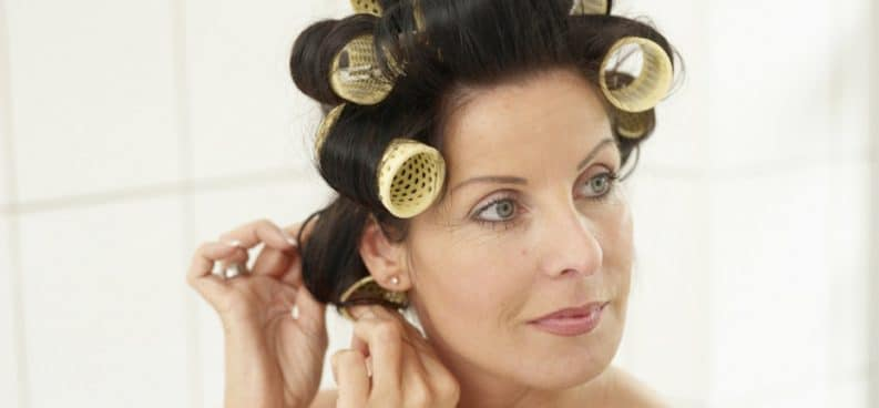 how to make curls with a curler beezzly