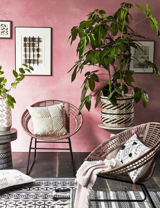 african style pink wall room idea