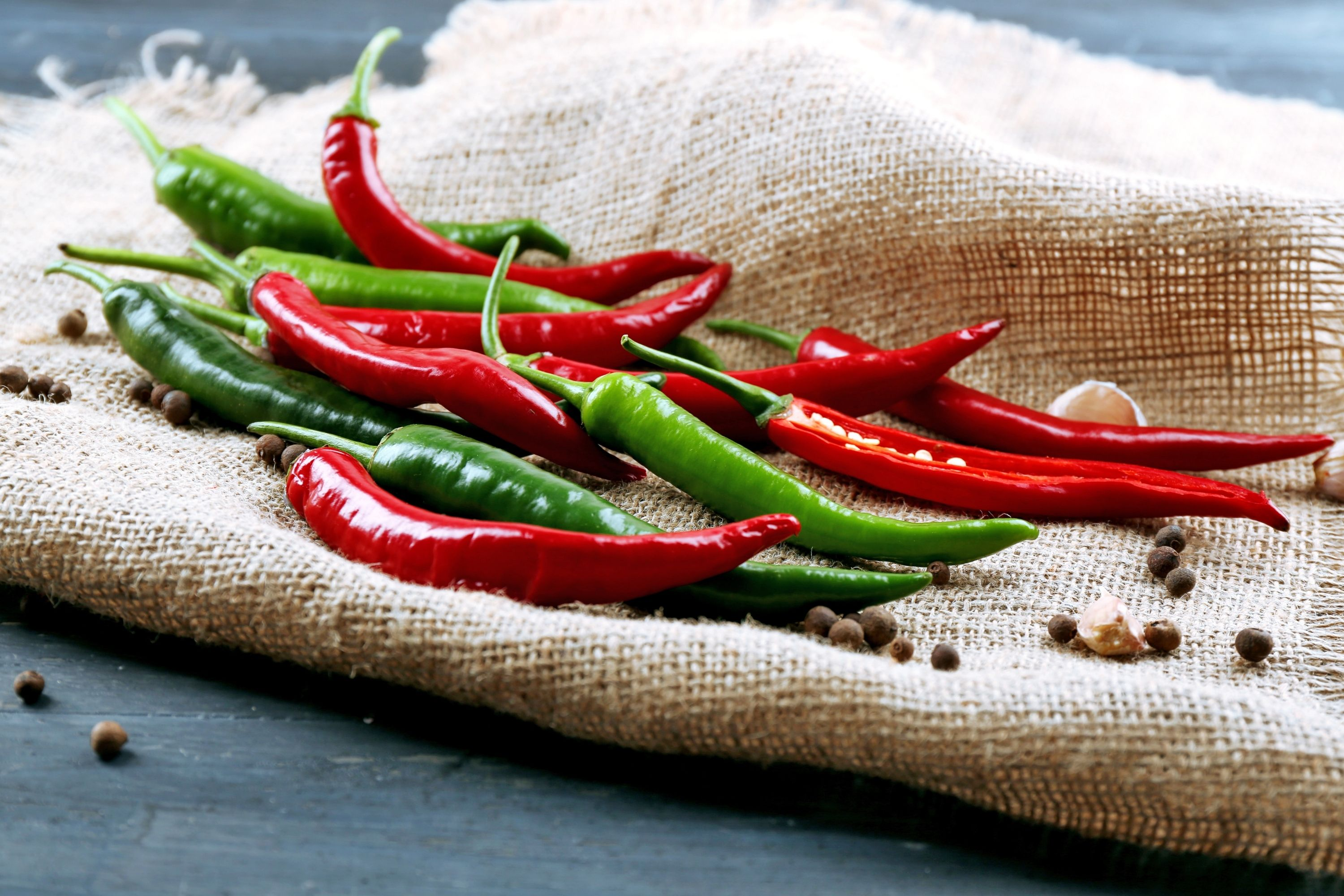 Get a Fat Free Body 8 Foods That Can Burn Fat Faster Than any Diets hot peppers