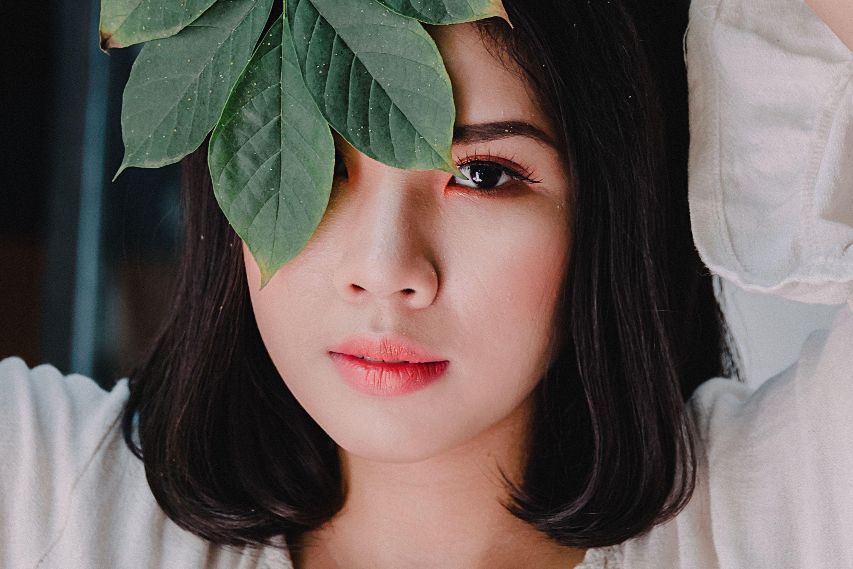 Ultraviolet, makeup and 5 more things that cause dark circles genes