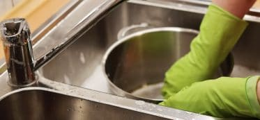 bleach sanitizing solution