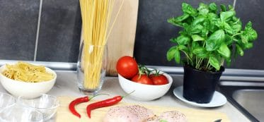 how long is spaghetti sauce good for