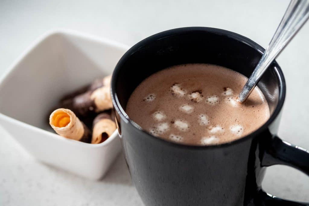 Can expired cocoa make you sick