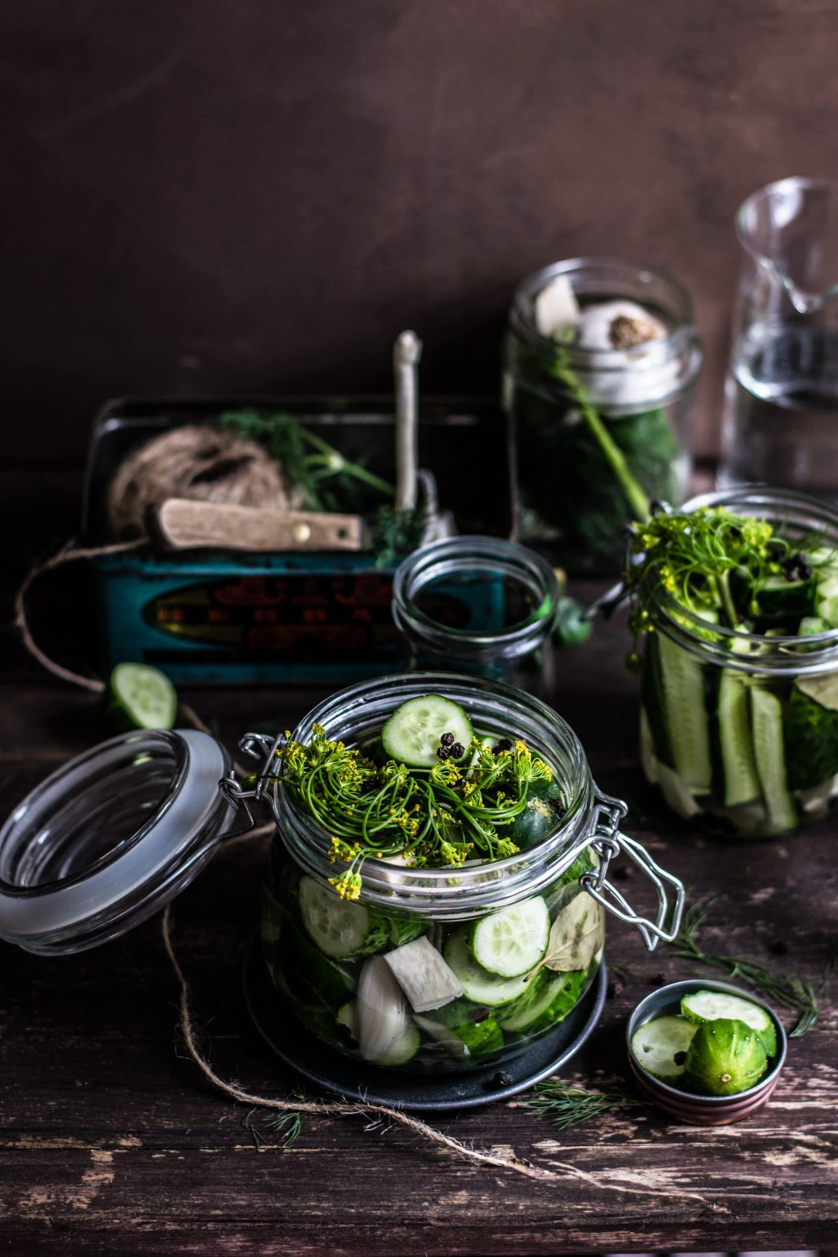 preserve cucumbers in jar