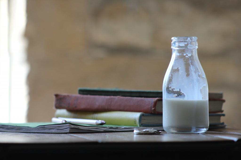 is it OK to freeze milk