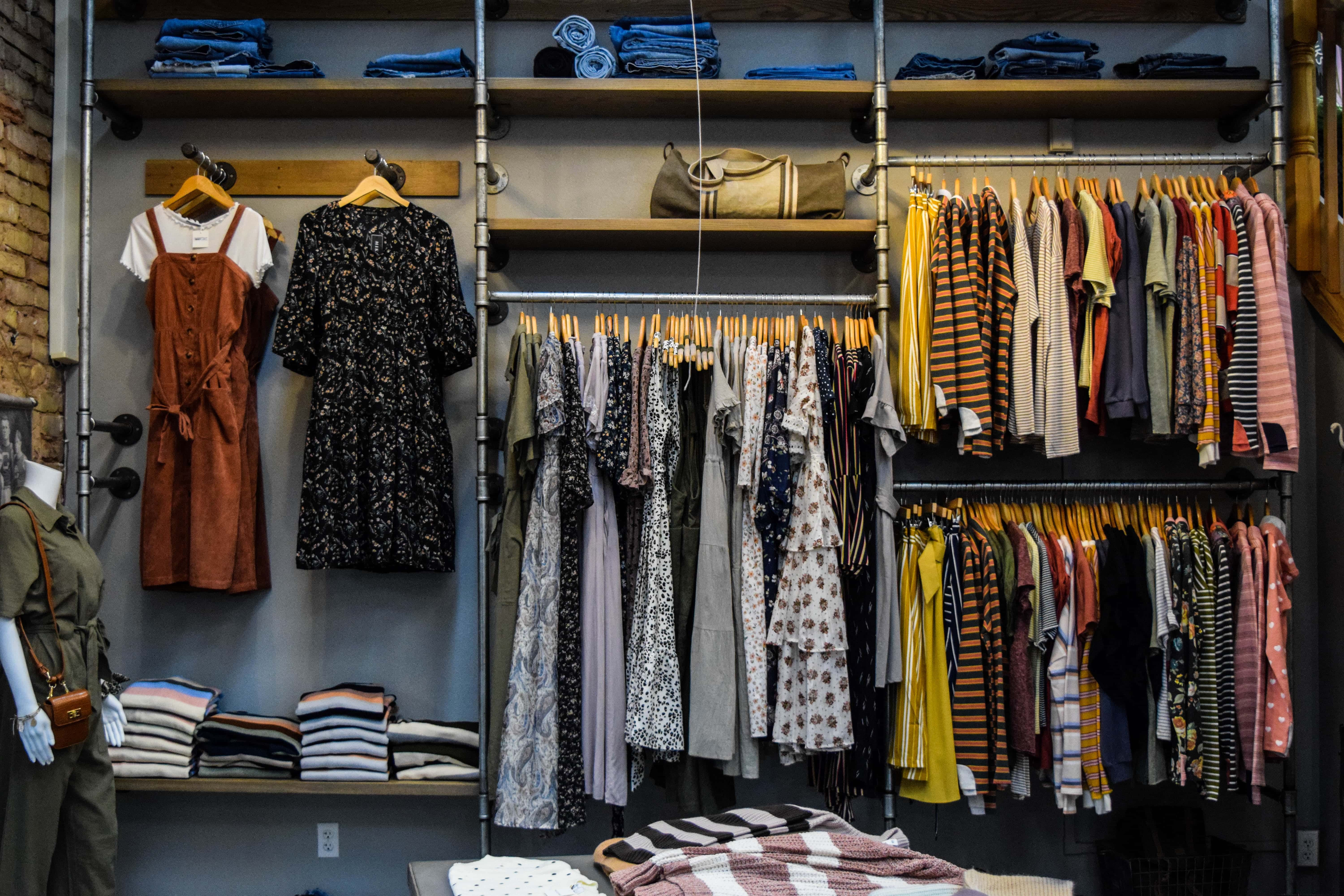 How to Keep Clothing When We Don't Use It. Hints For Seasonal Wear