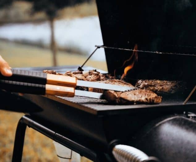 Learn how to smoke it to get delicious poultry that no one can resist
