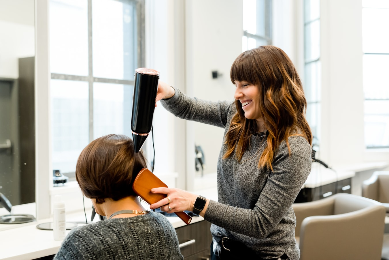 How Much Should You Tip a Hairdresser