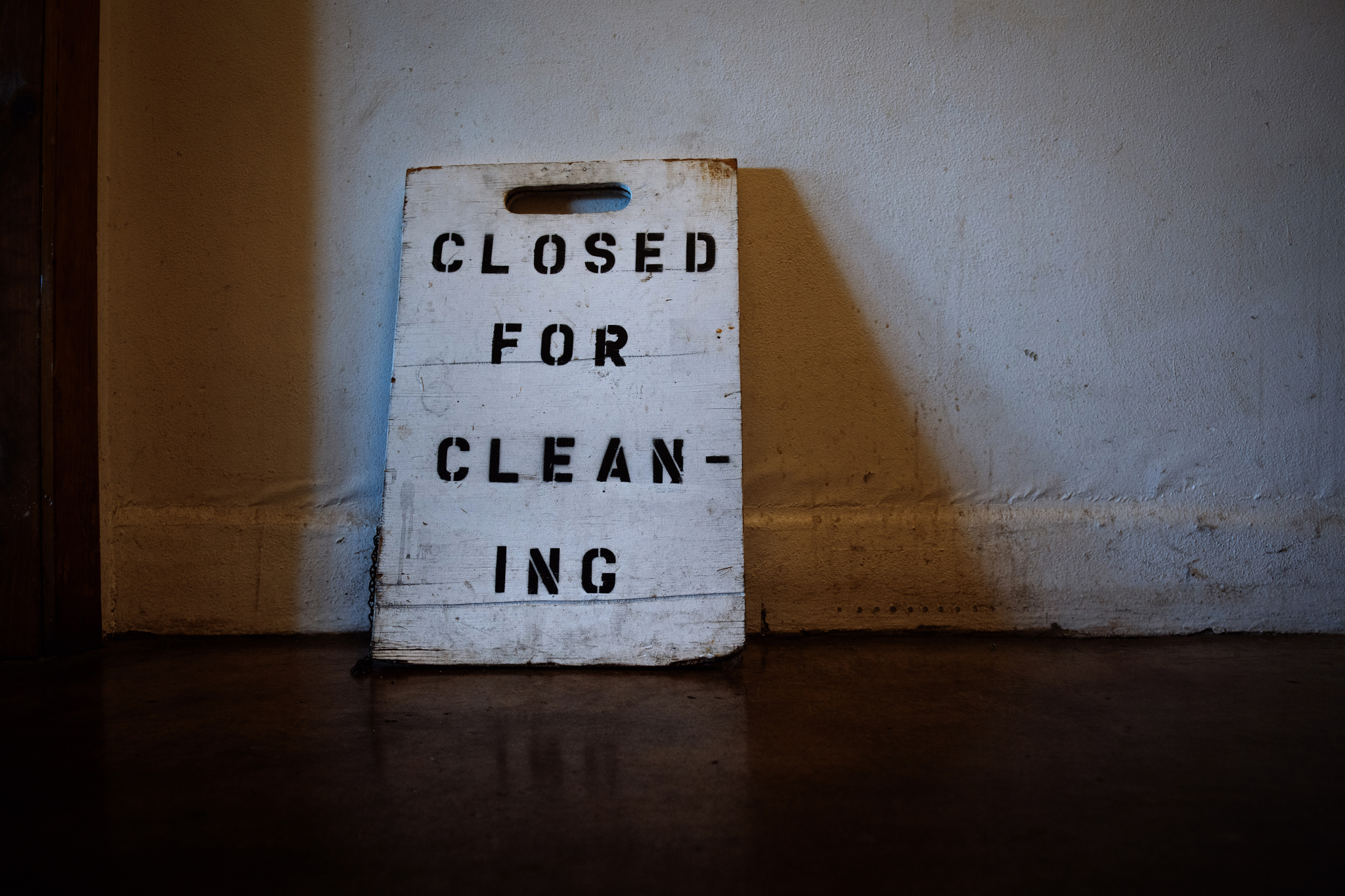 Dos And Don'ts When Cleaning Basement Floors