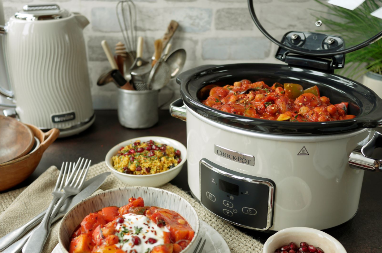 How Much Water to Add to the Crock Pot