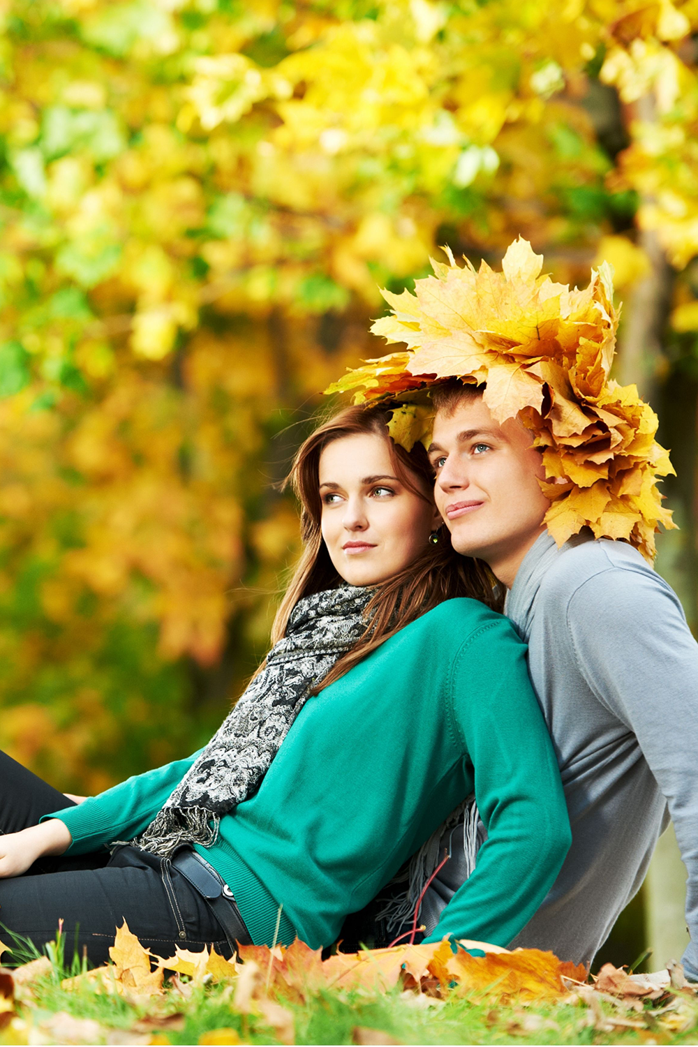 14 Engagement Photo Ideas For Couples be casual