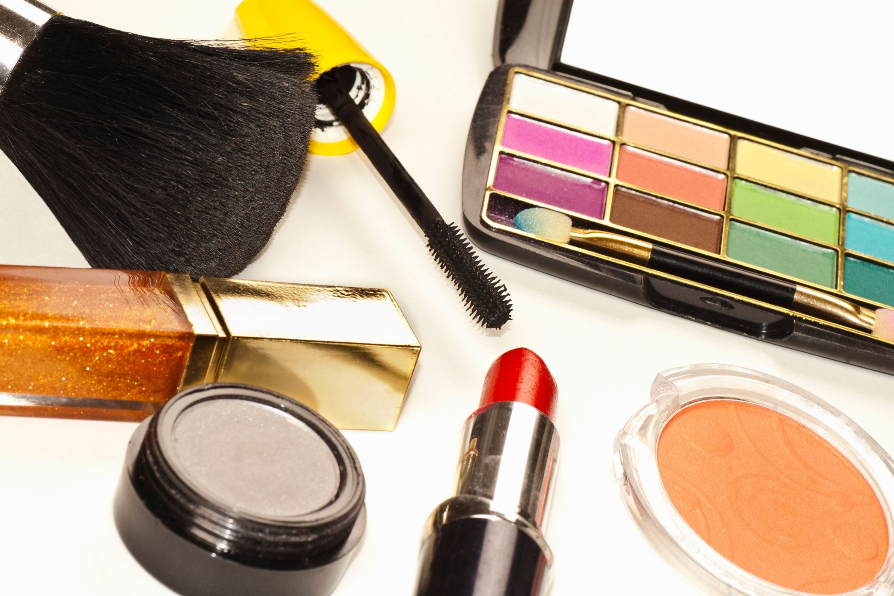 How To Take Your Love of Beauty Products to the Next Level with an Online Store marketing