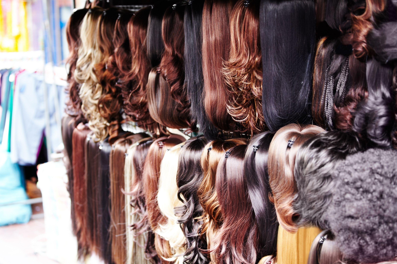 How to Lighten a Human Hair Wig