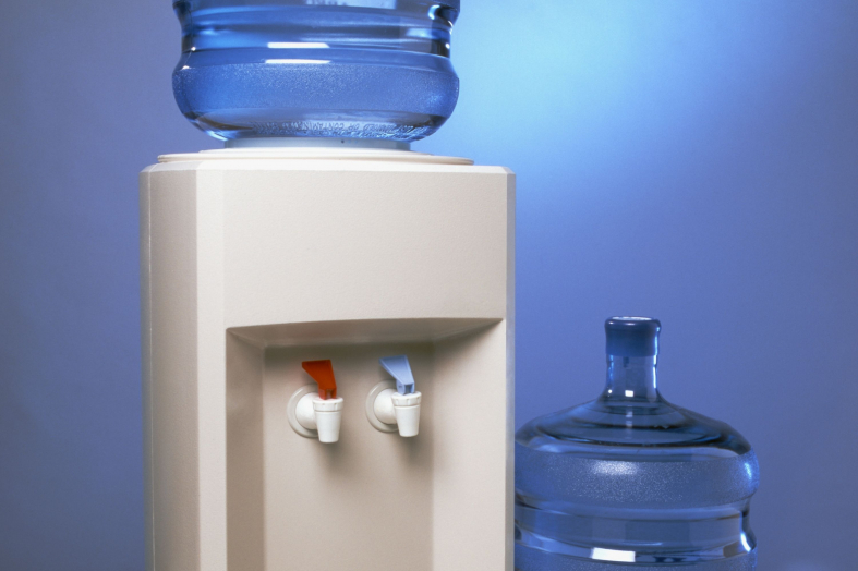 How to Remove a Full Water Bottle From a Water Cooler