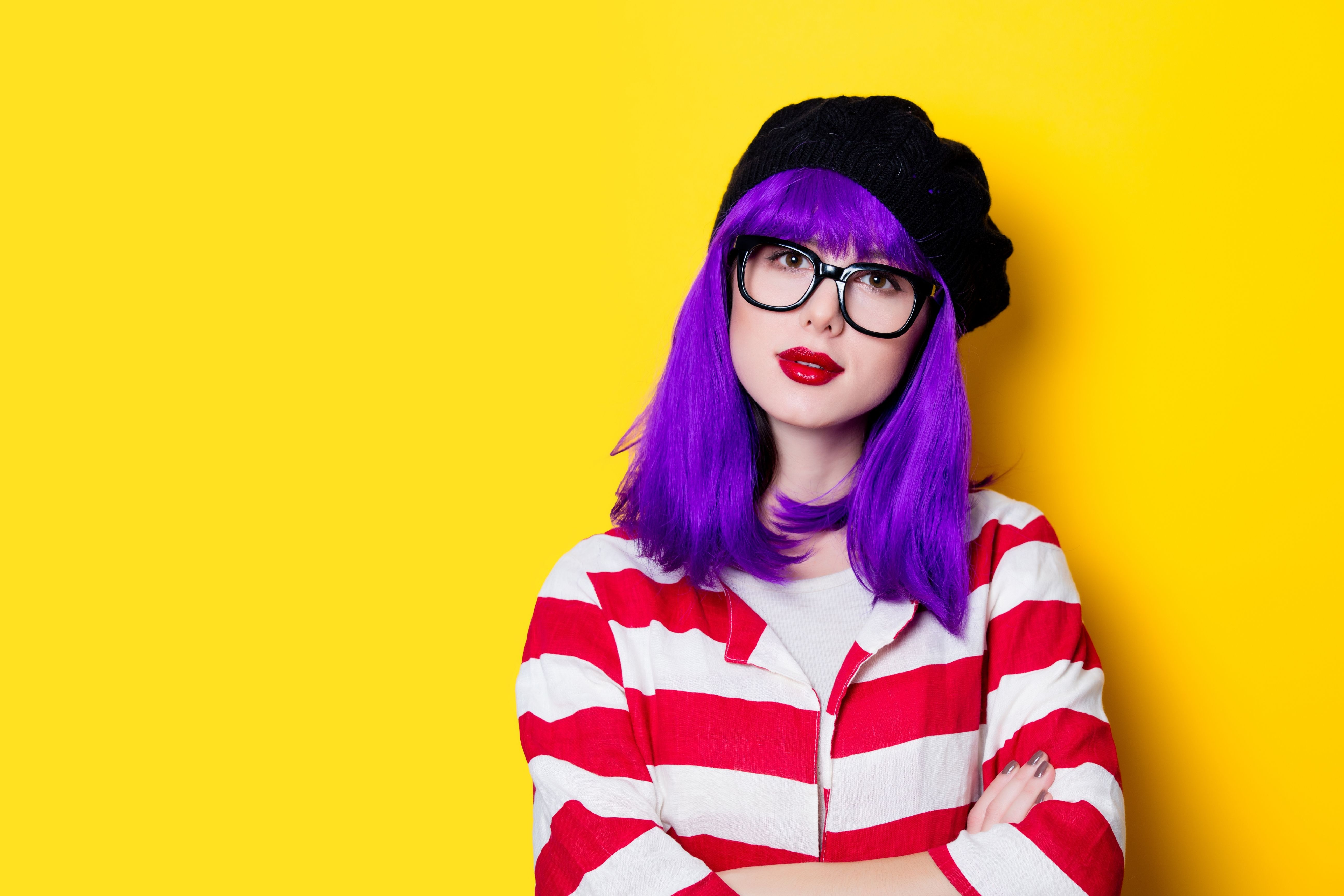 What Colors Not to Wear With Purple Hair