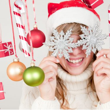 How to Respond to Merry Christmas. 8 Best Answers to Respond to Anyone
